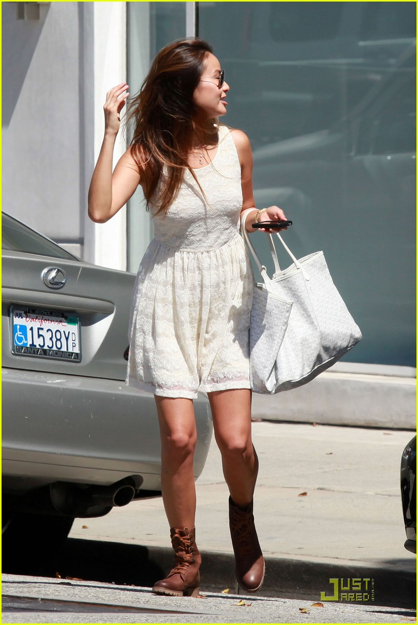 jamie chung walk white 06