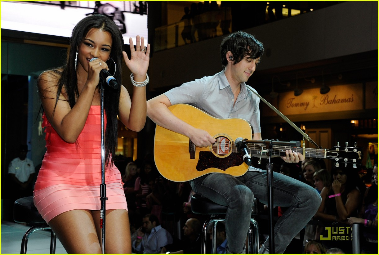 jessica jarrell cody simpson magic 09