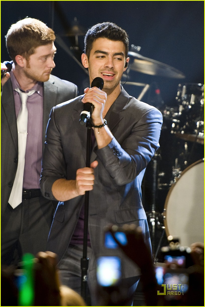 joe jonas heartradio nyc 05