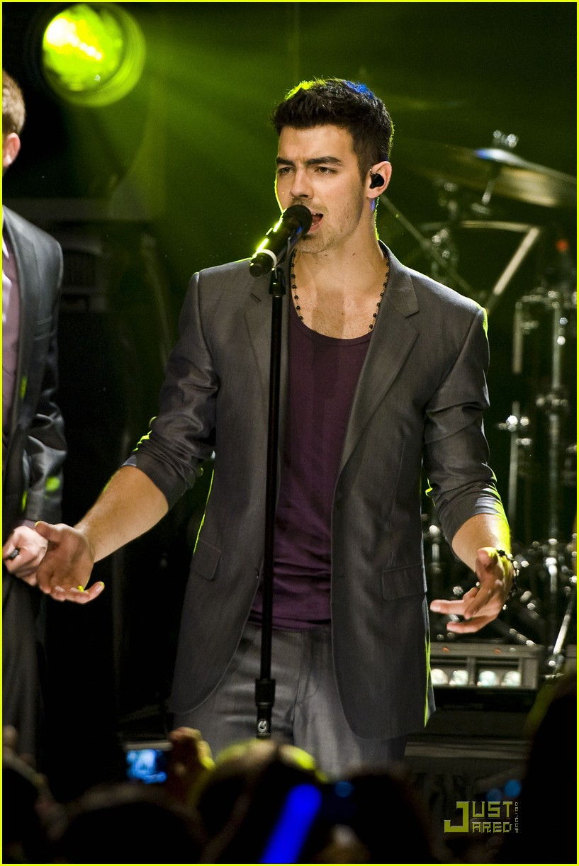 joe jonas heartradio nyc 14