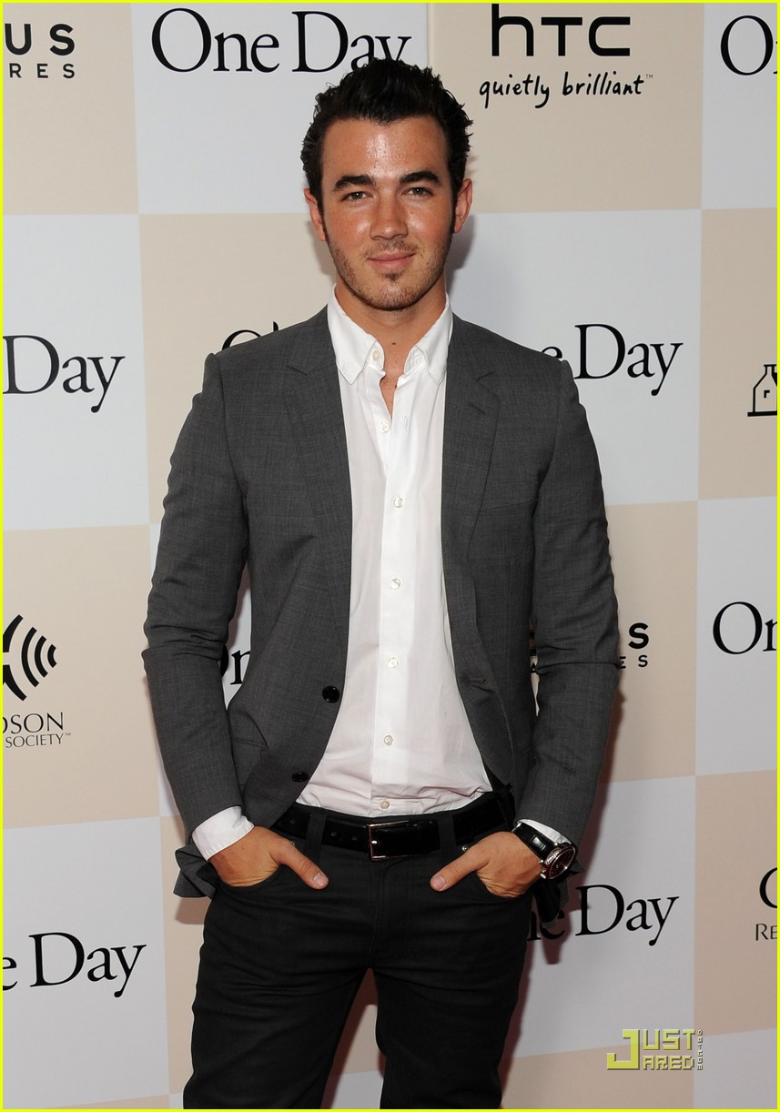 kevin jonas one day 02