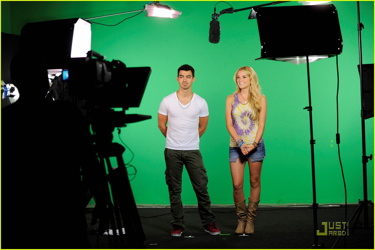 joe jonas hotel top 10 bts 07