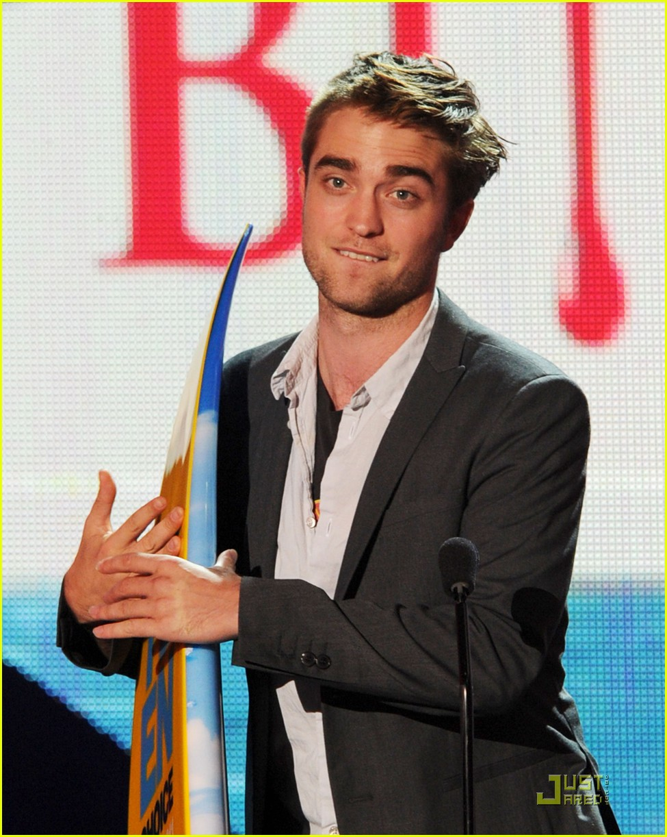 robert pattinson tcas 03
