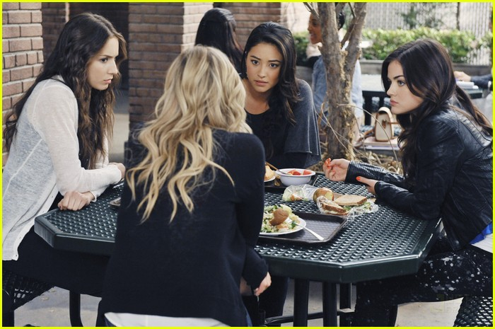 pretty little liars must confess 17