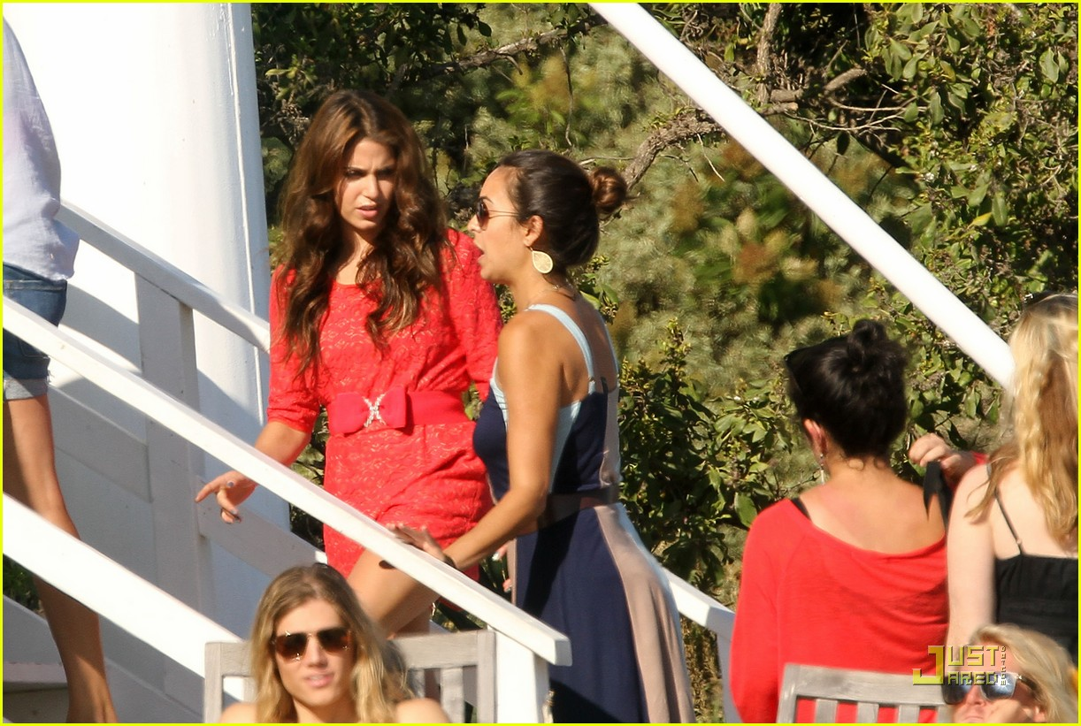 nikki reed beach shoot 01