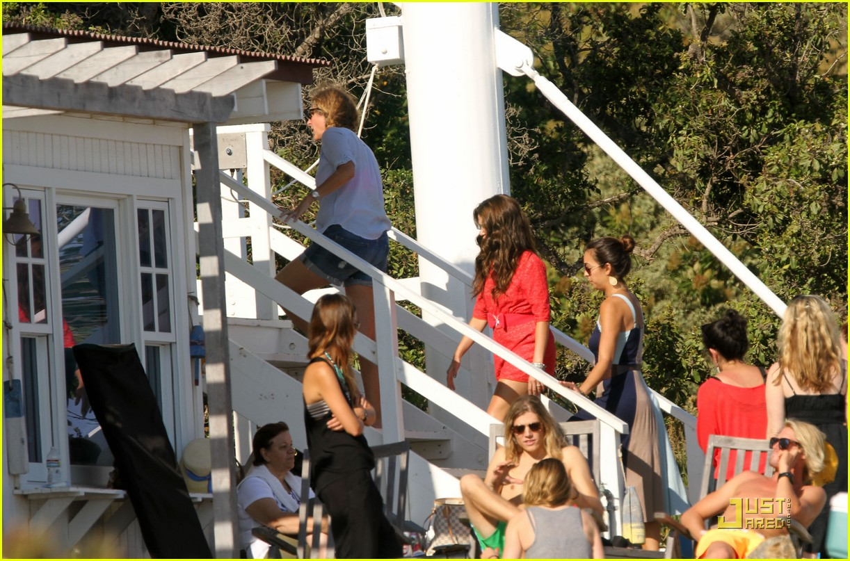nikki reed beach shoot 02