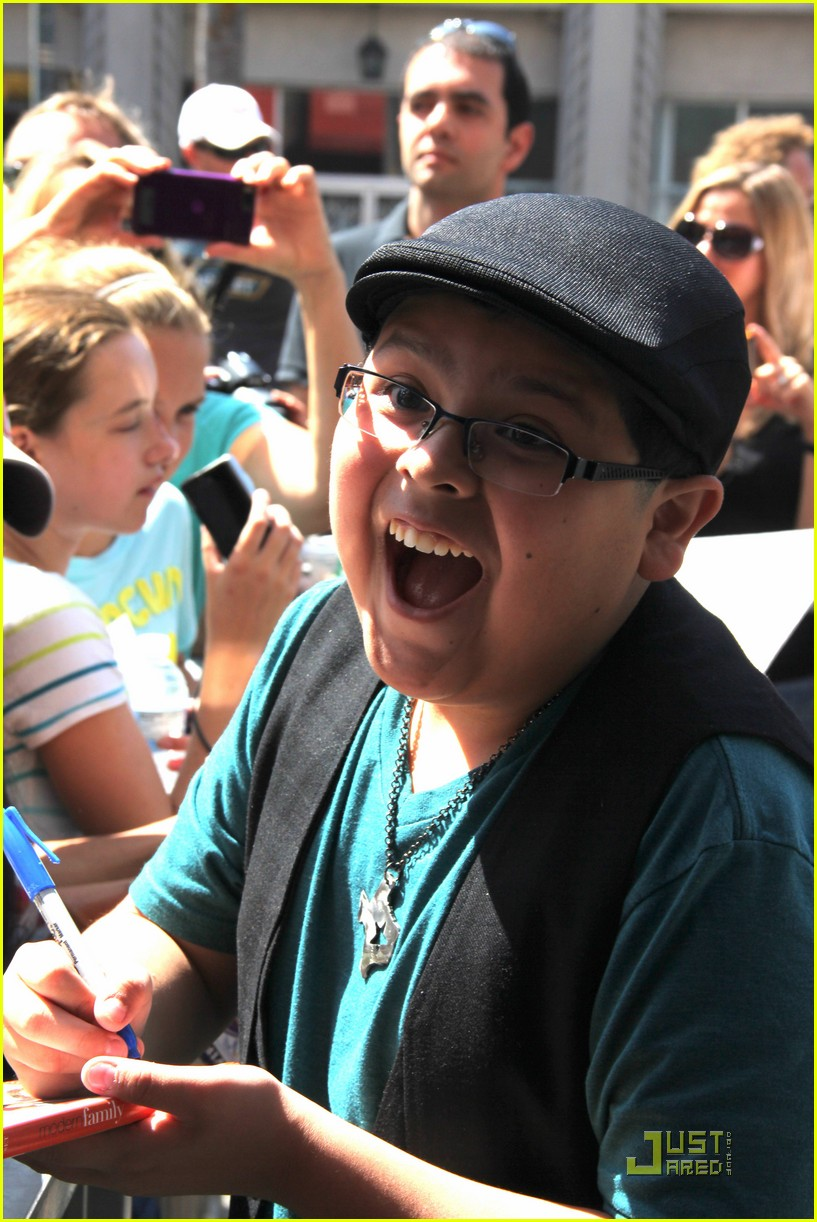 rico rodriguez hollywood star 01