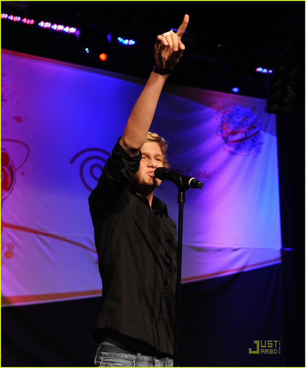 cody simpson new haven show 19