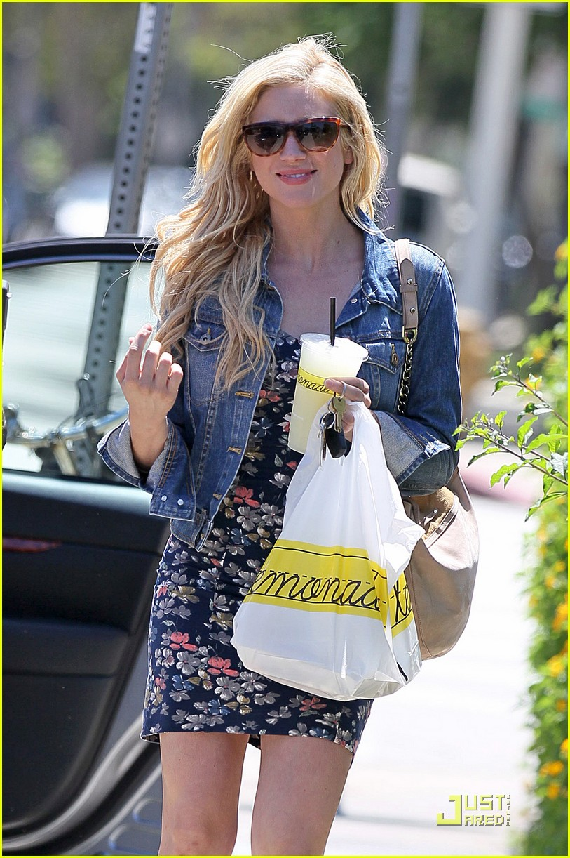 brittany snow lemonade lunch 13