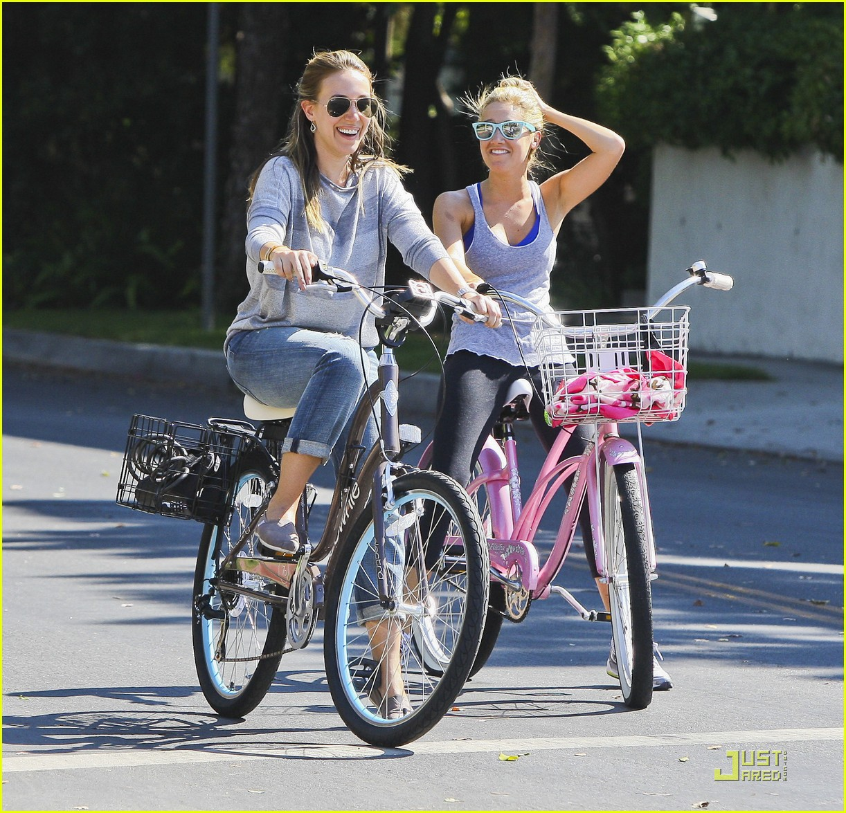 ashley tisdale haylie duff bikes 06