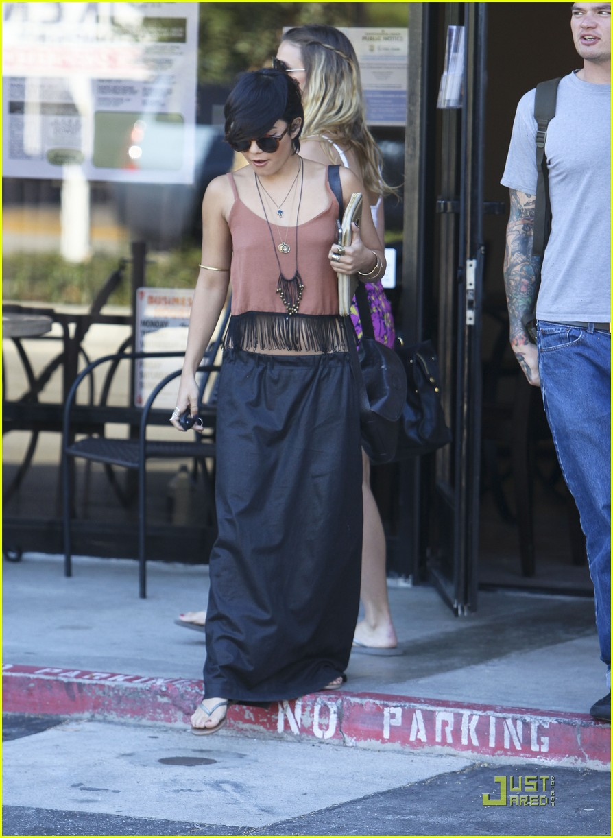 vanessa hudgens laura new lunch 07
