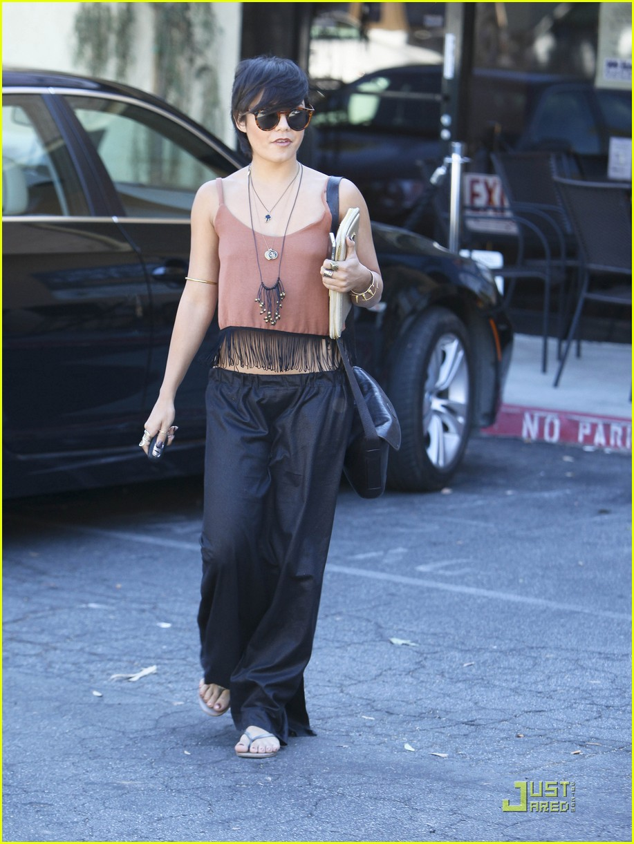 vanessa hudgens laura new lunch 11