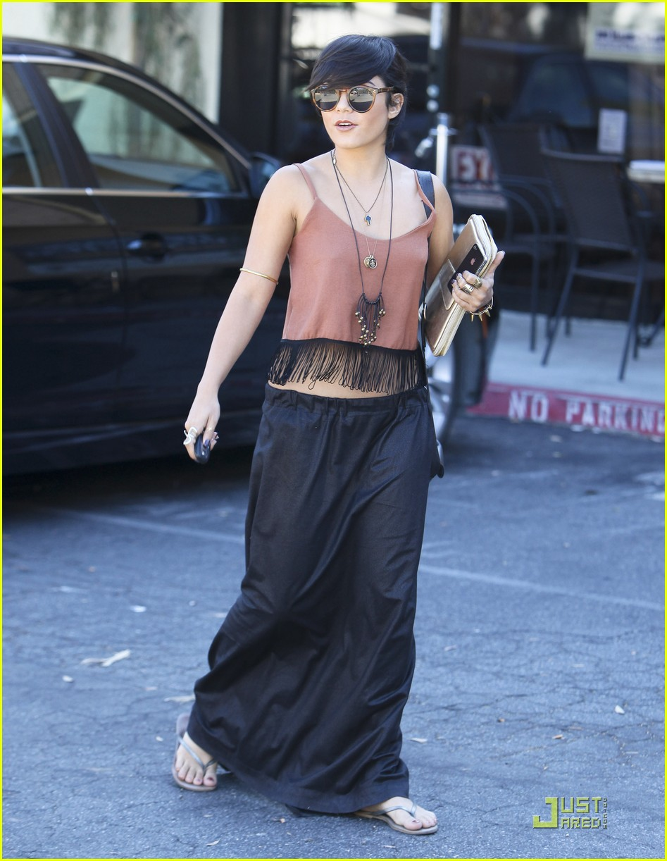 vanessa hudgens laura new lunch 15