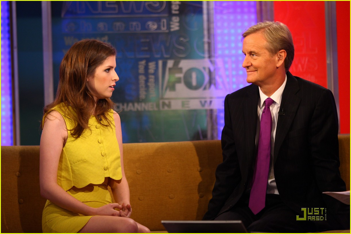 anna kendrick 5050 fox friends 09