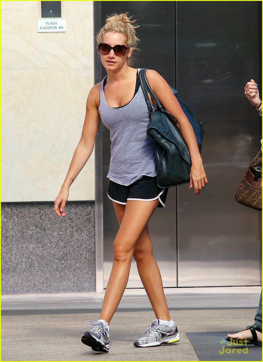 ashley tisdale grey gym 07