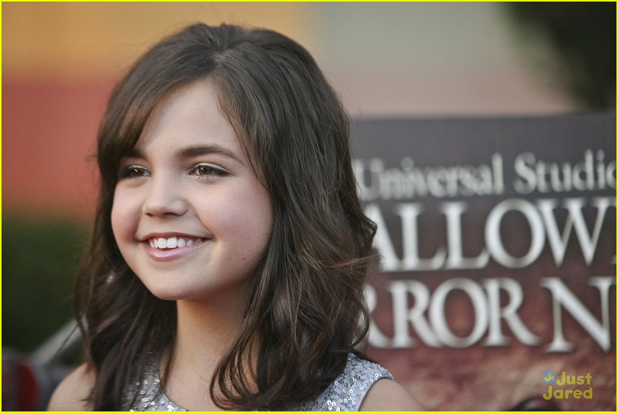 bella thorne bailee madison eyegore 17