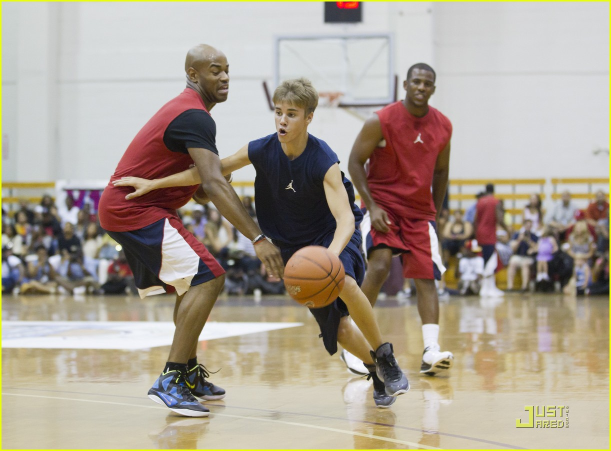 justin bieber basketball charity game 01