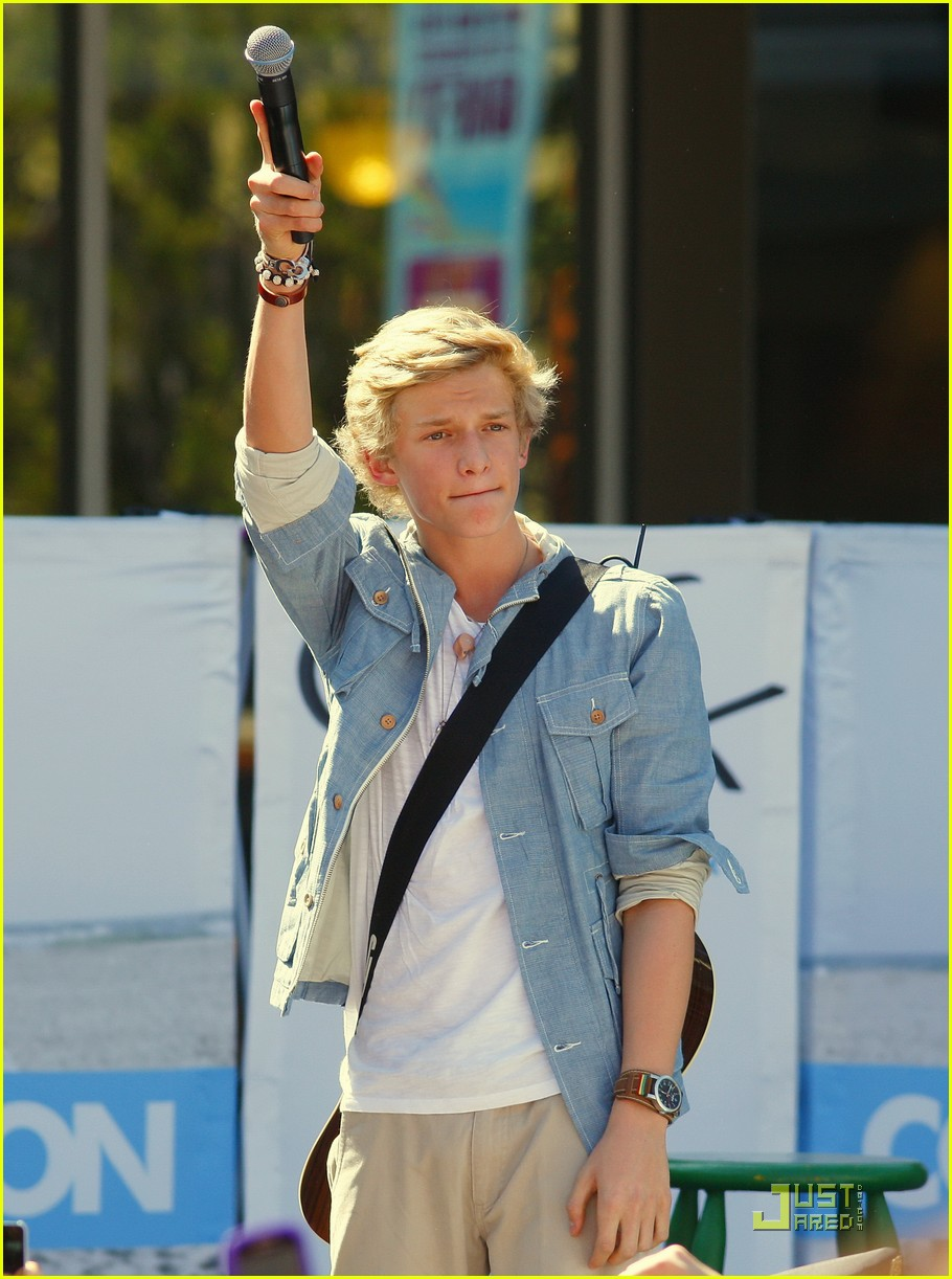 cody simpson orange concert 06