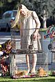 Elle-cats elle fanning cat lady 05