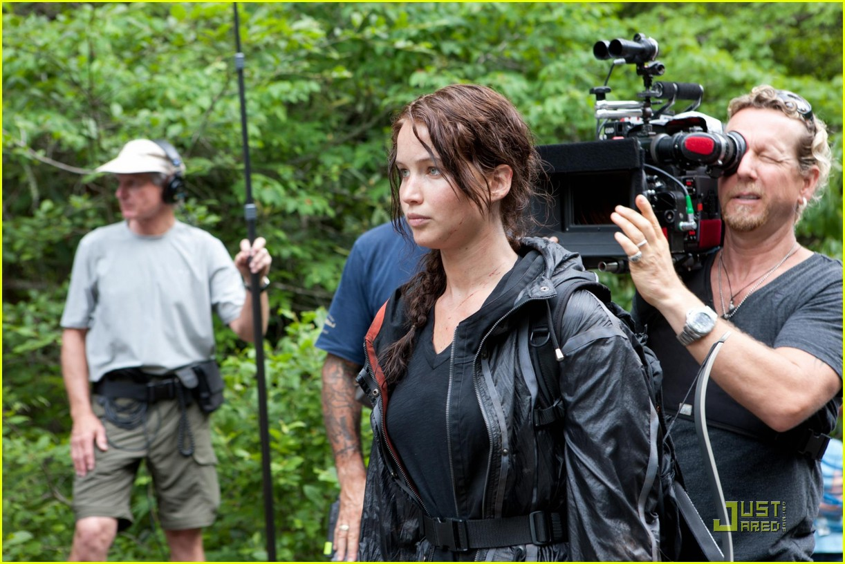 jennifer lawrence thg bts 01