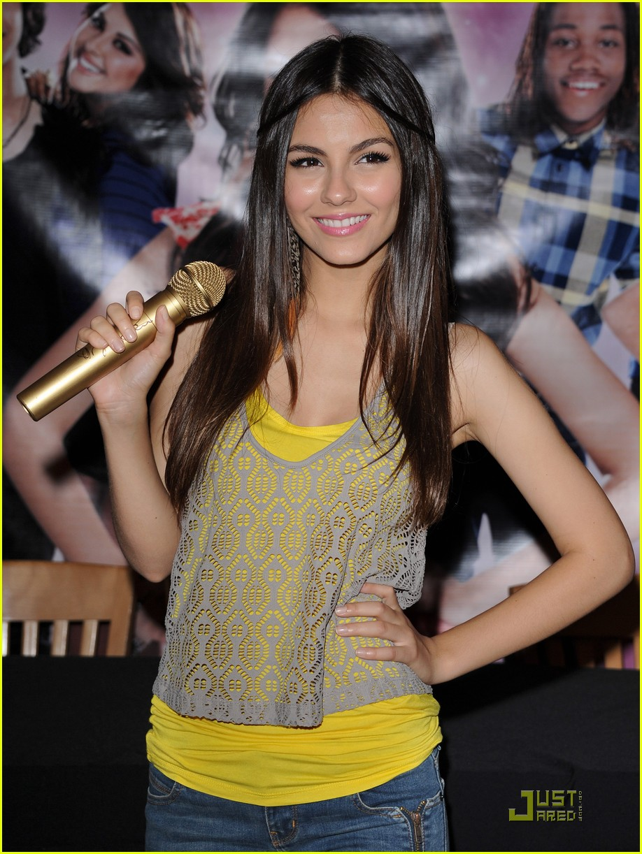 victoria justice universalcity 09