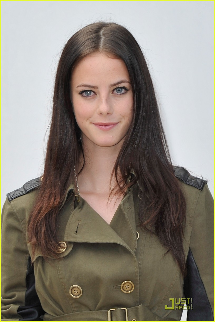 kaya scodelario burberry show 01