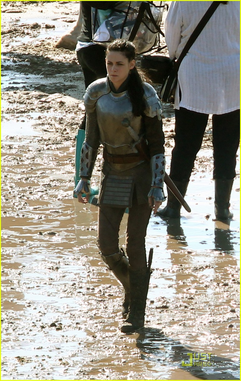 kristen stewart snow white set 02