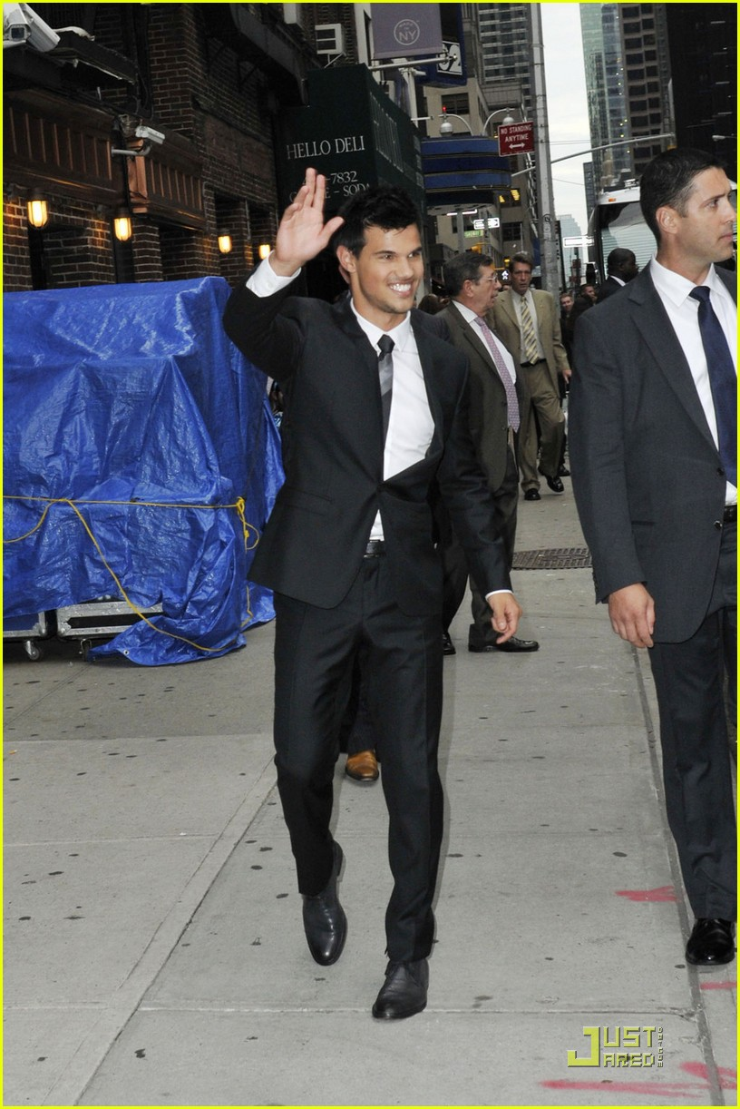 taylor lautner letterman today 03