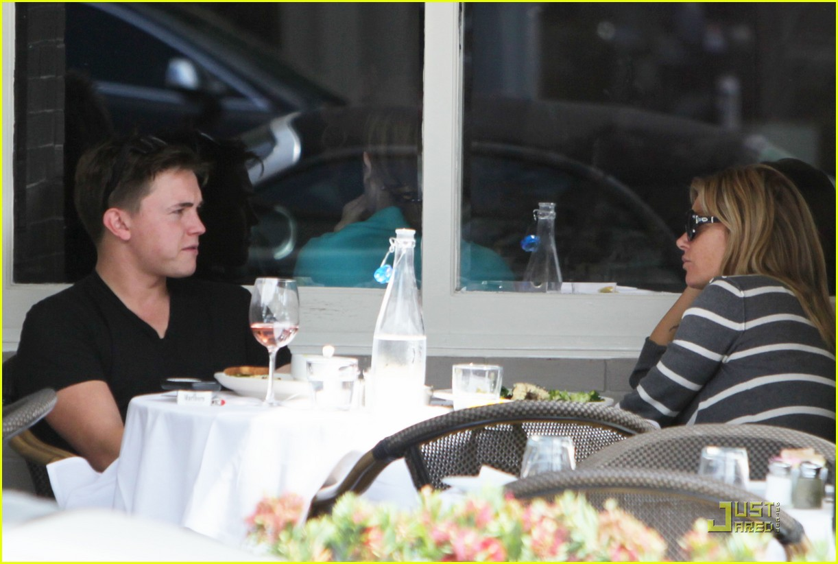jesse mccartney lunch 01