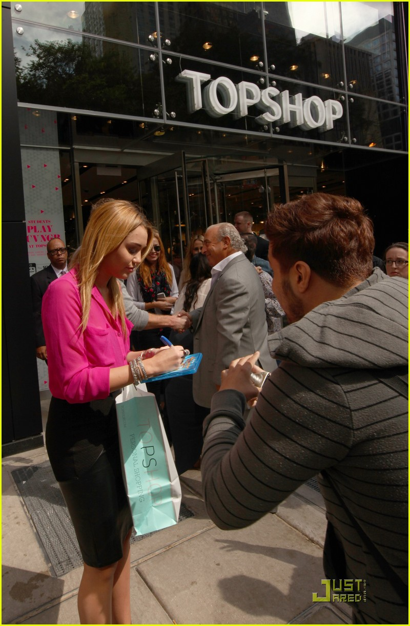 miley cyrus topshop chicago 10