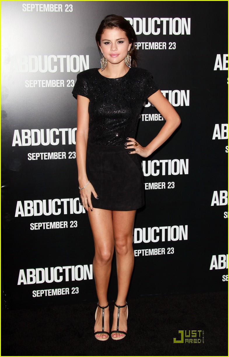 selena gomez abduction premiere 01
