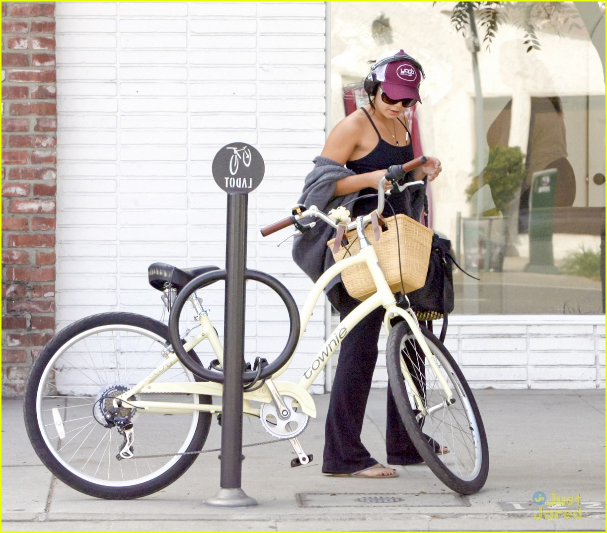 vanessa hudgens cycle workout 04