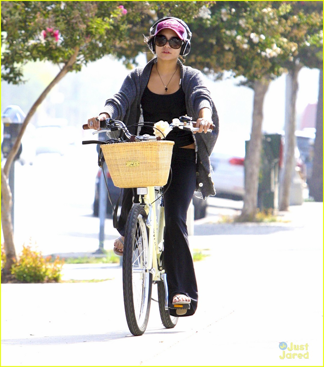 vanessa hudgens cycle workout 05