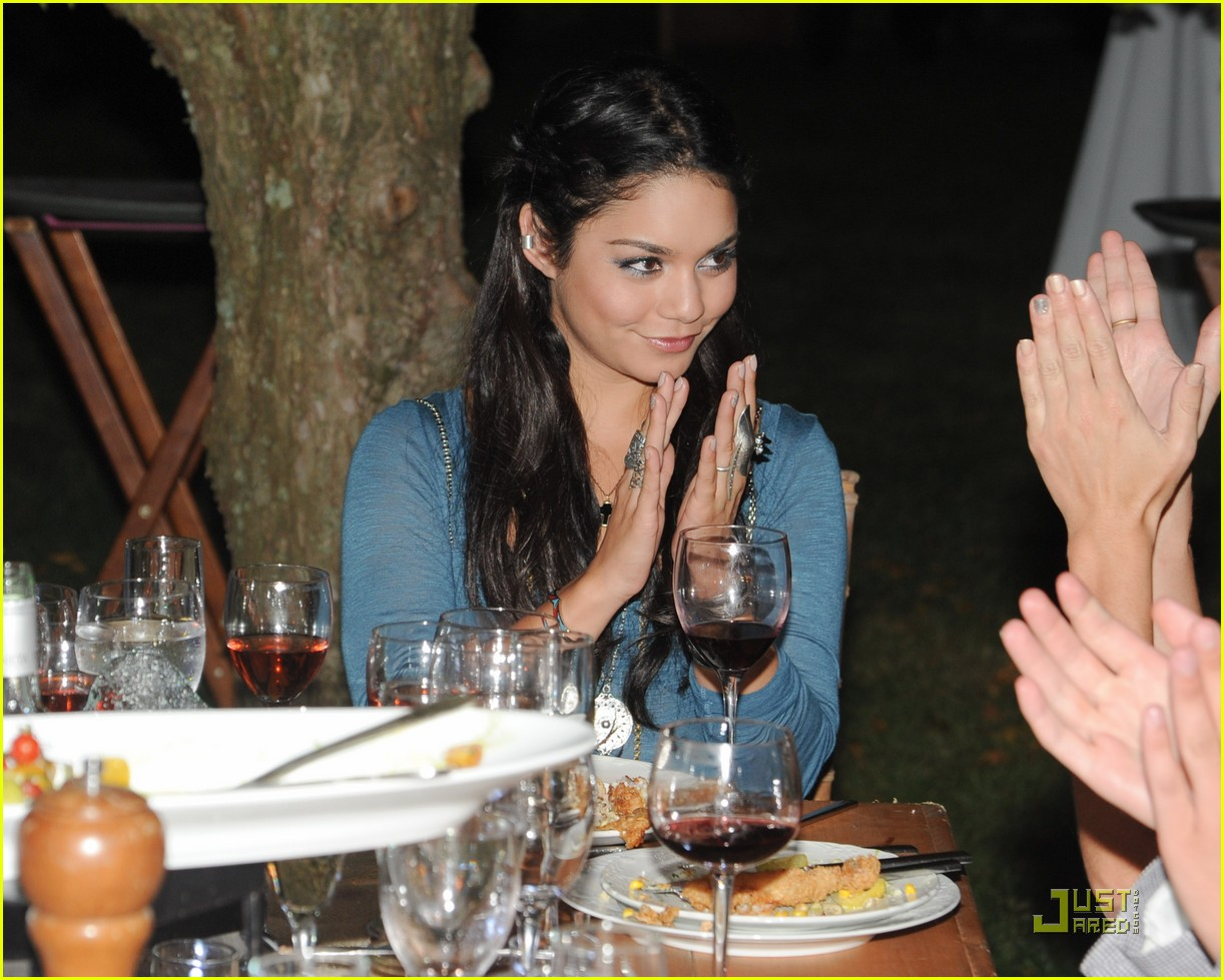 vanessa hudgens hamptons dinner 02