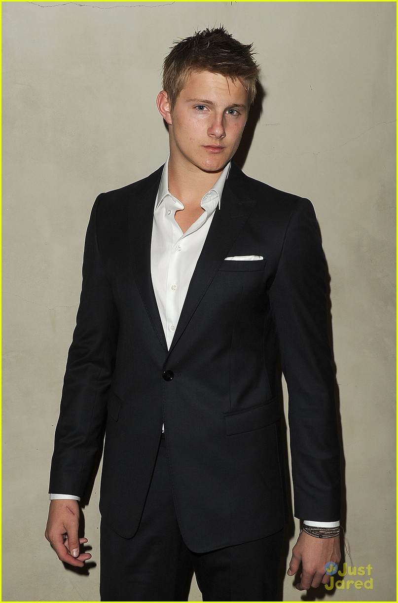 alexander ludwig armani dinner 04