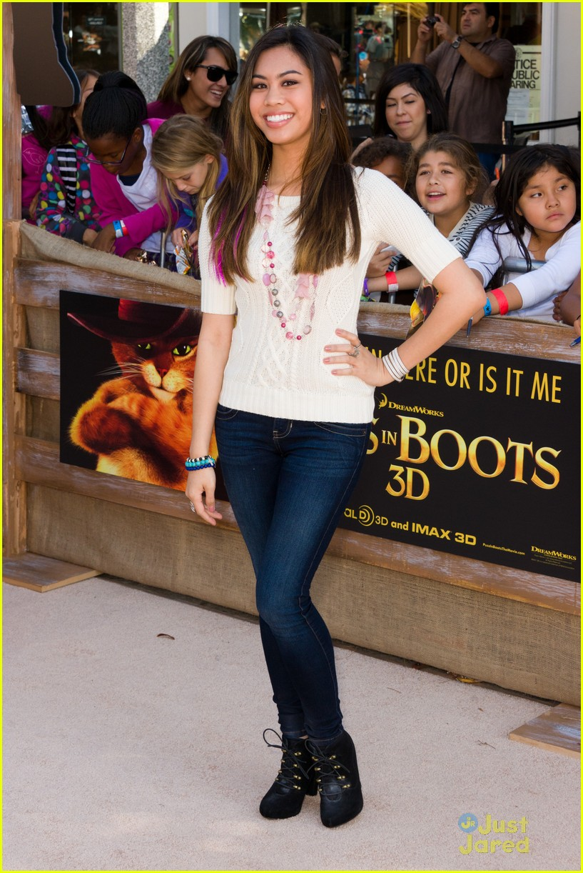 ashley argota puss boots 06