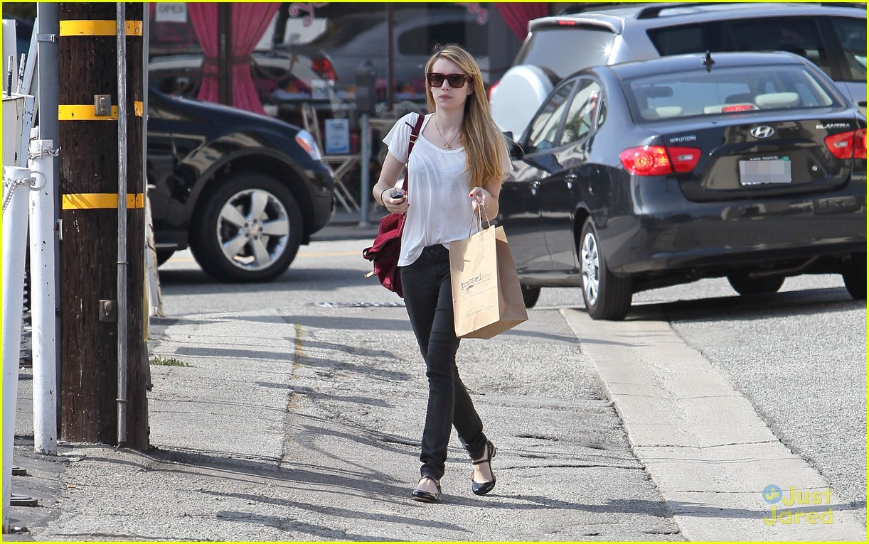 emma roberts mulberry bag 02