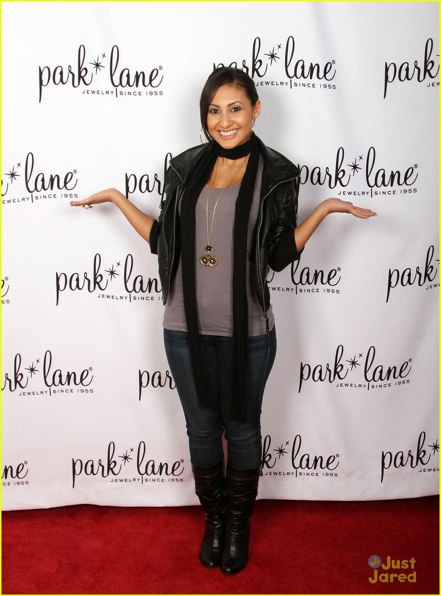 francia raisa gifting services 15