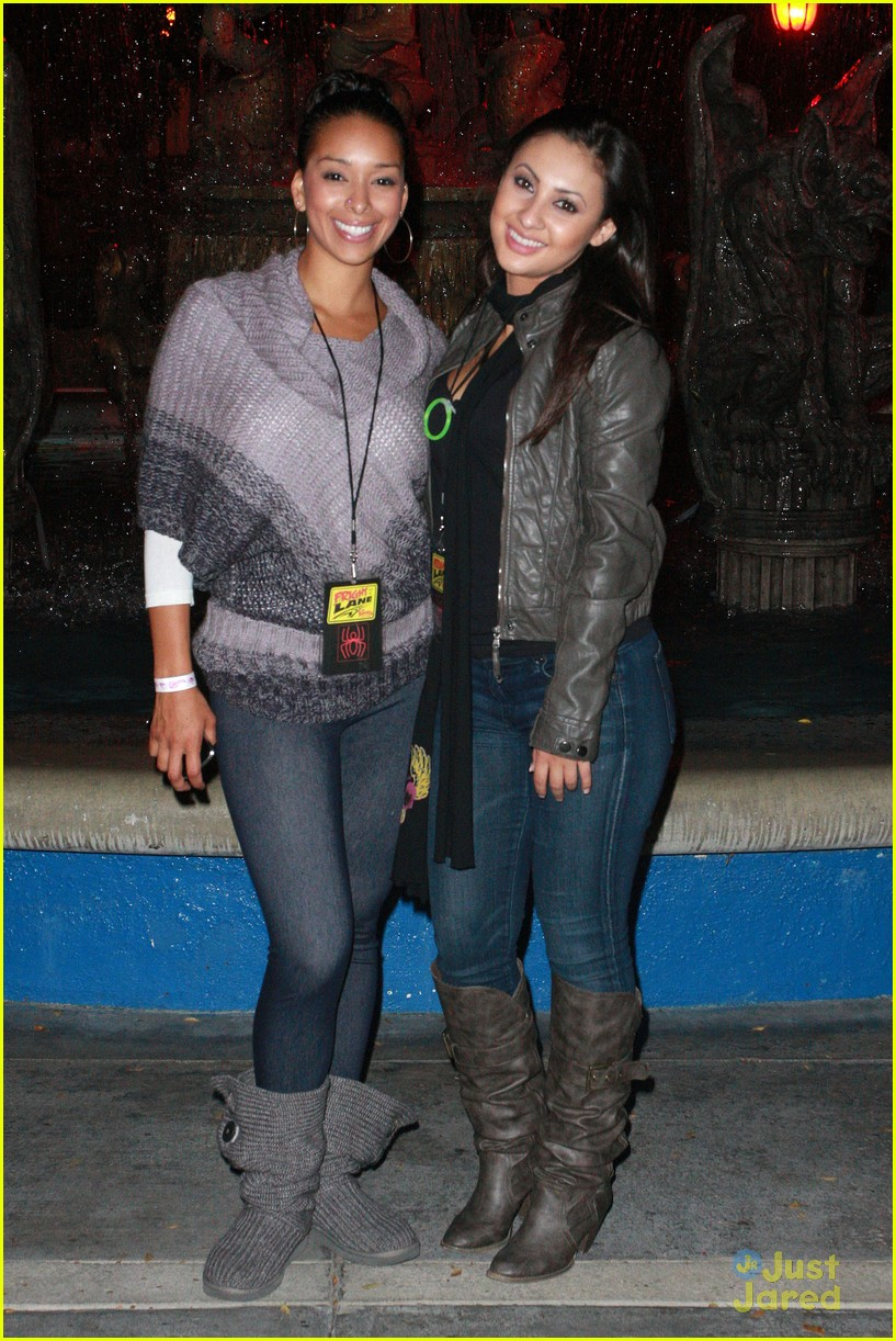 francia raisa knotts berry farm 01