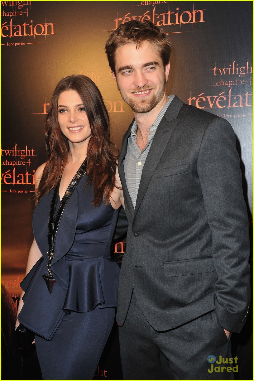 ashley greene rob pattinson paris 15
