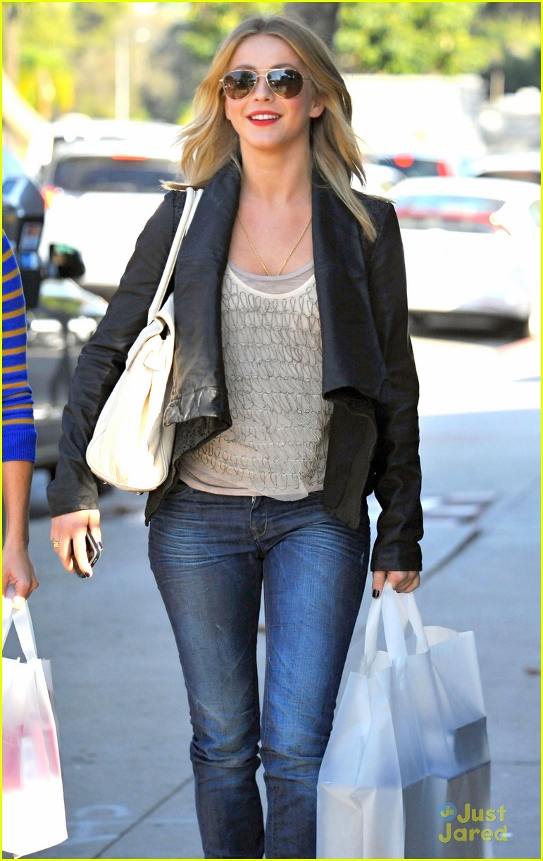 julianne hough shopping shoes 04