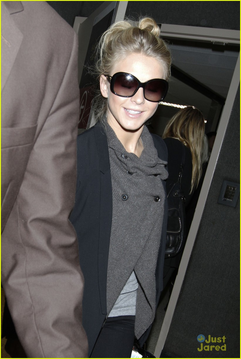 julianne hough london lax 04