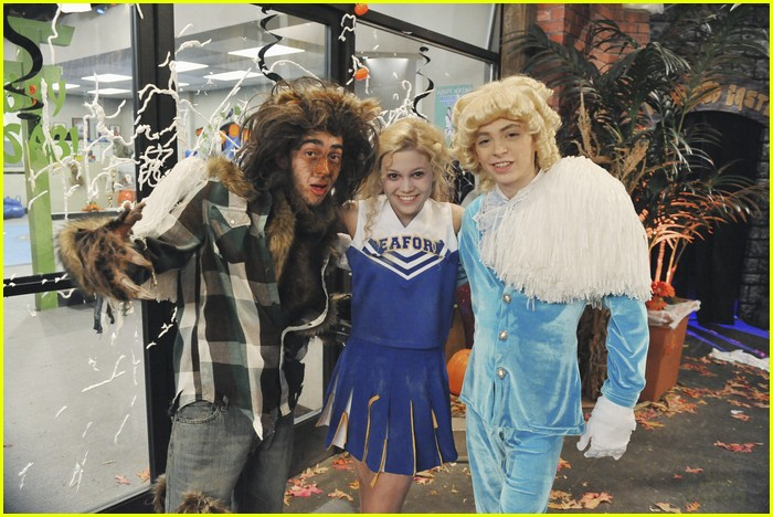 olivia holt kickin buffy 01