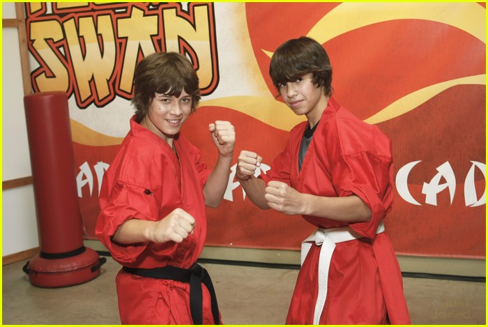 tiffany thornton leo howard prankstars 01