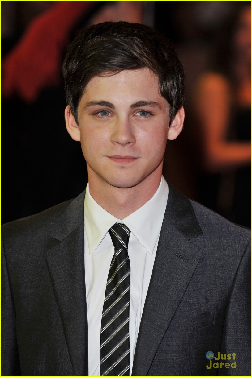 logan lerman three premiere 03