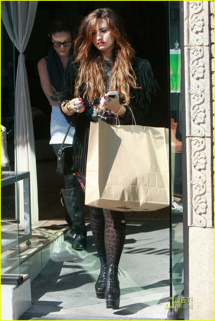 demi lovato shoe shopping 10
