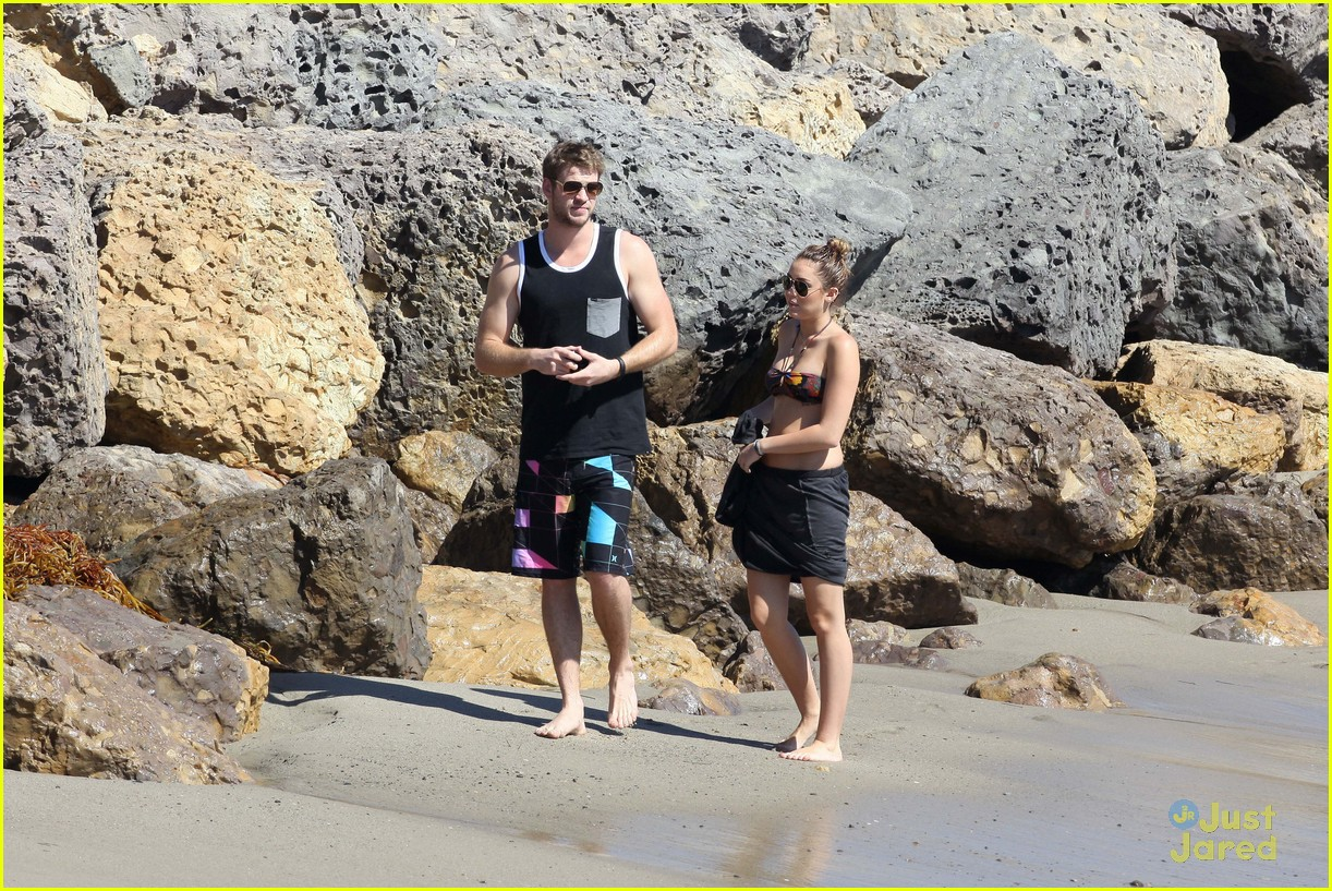 miley cyrus liam hemsworth malibu 13