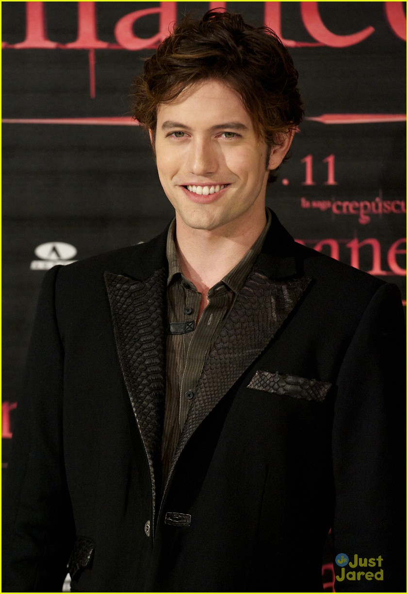 nikki reed jackson rathbone madrid 24