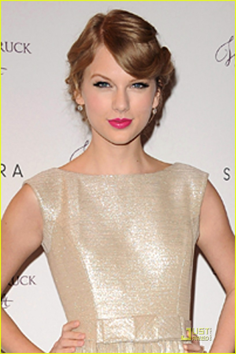 taylor swift wonderstrucklaunch 14