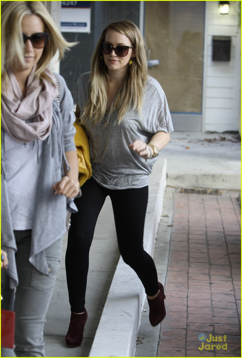 ashley tisdale hilary duff 03